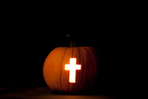 cross-in-pumpkin